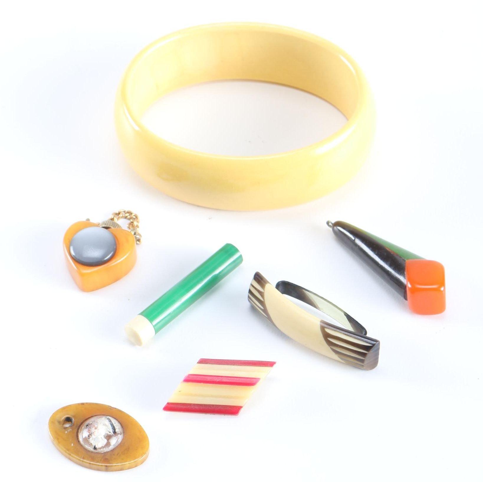 Bakelite Bracelet and Accessories