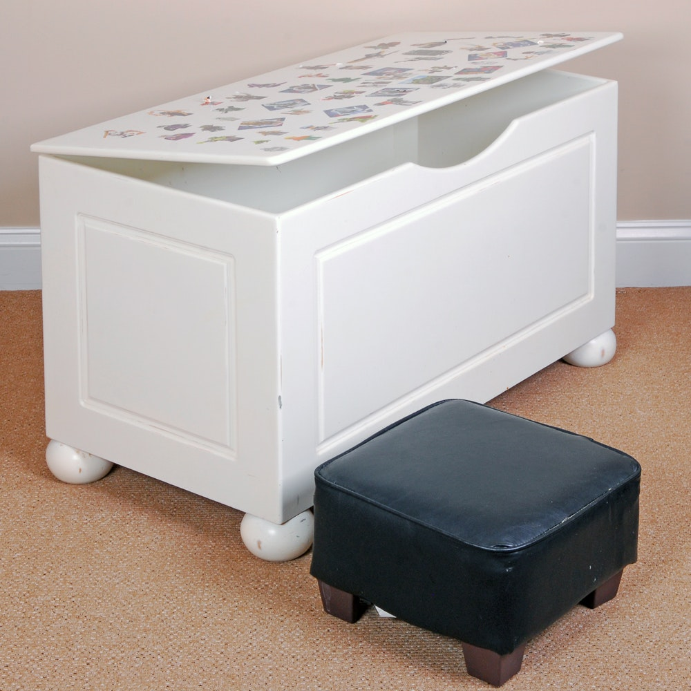 White Storage Chest with Leather Footstool