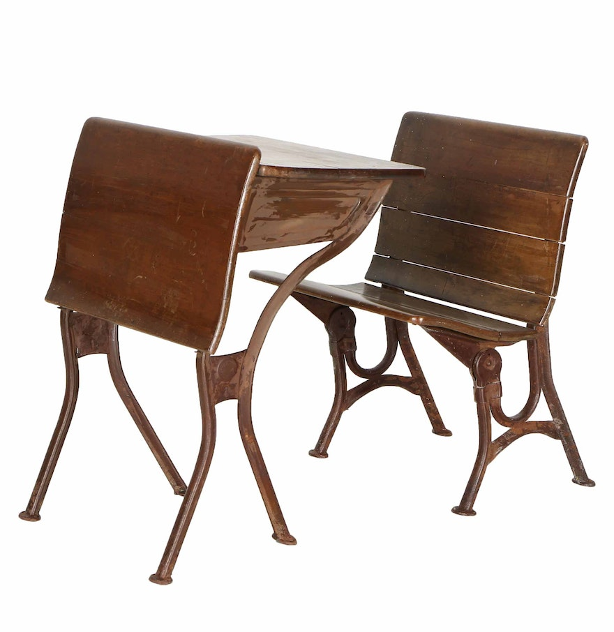 antique child 39 s school desk by american seating company and chair ebth. Black Bedroom Furniture Sets. Home Design Ideas
