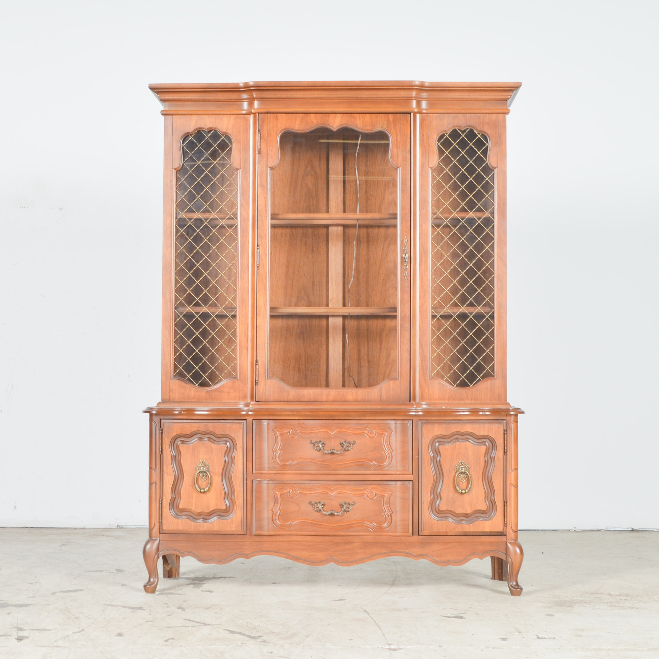Bassett Furniture French Provincial Style Veneer China Cabinet