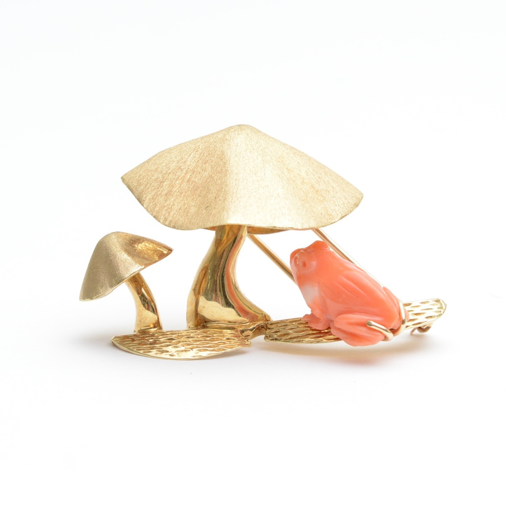 14K Yellow Gold and Coral Brooch