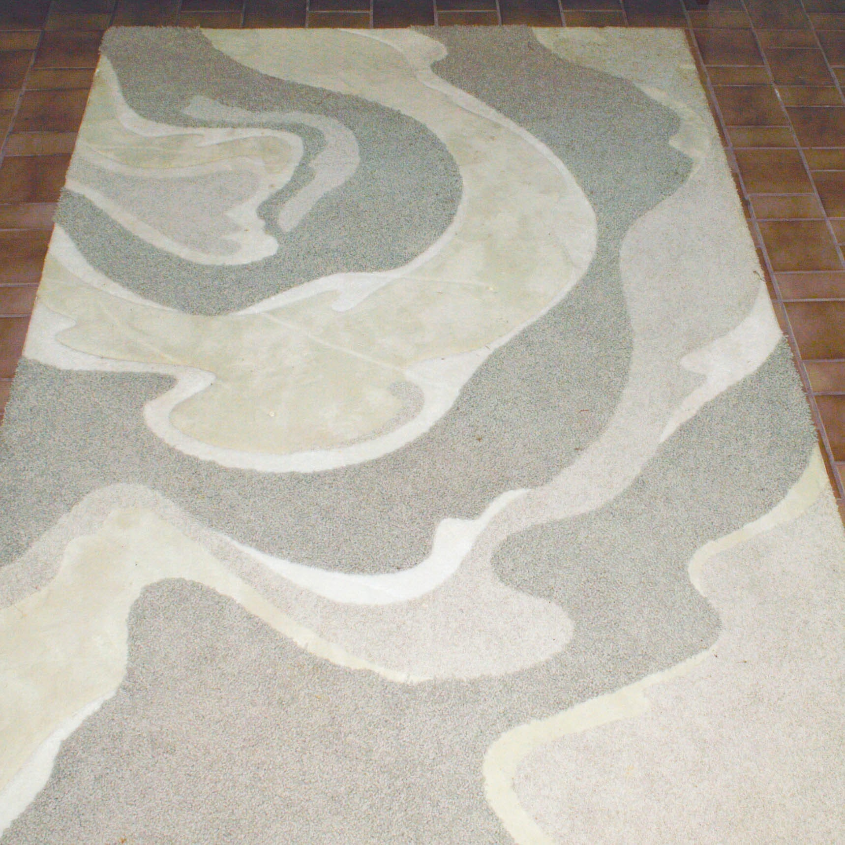 Machine Made Abstract Area Rug