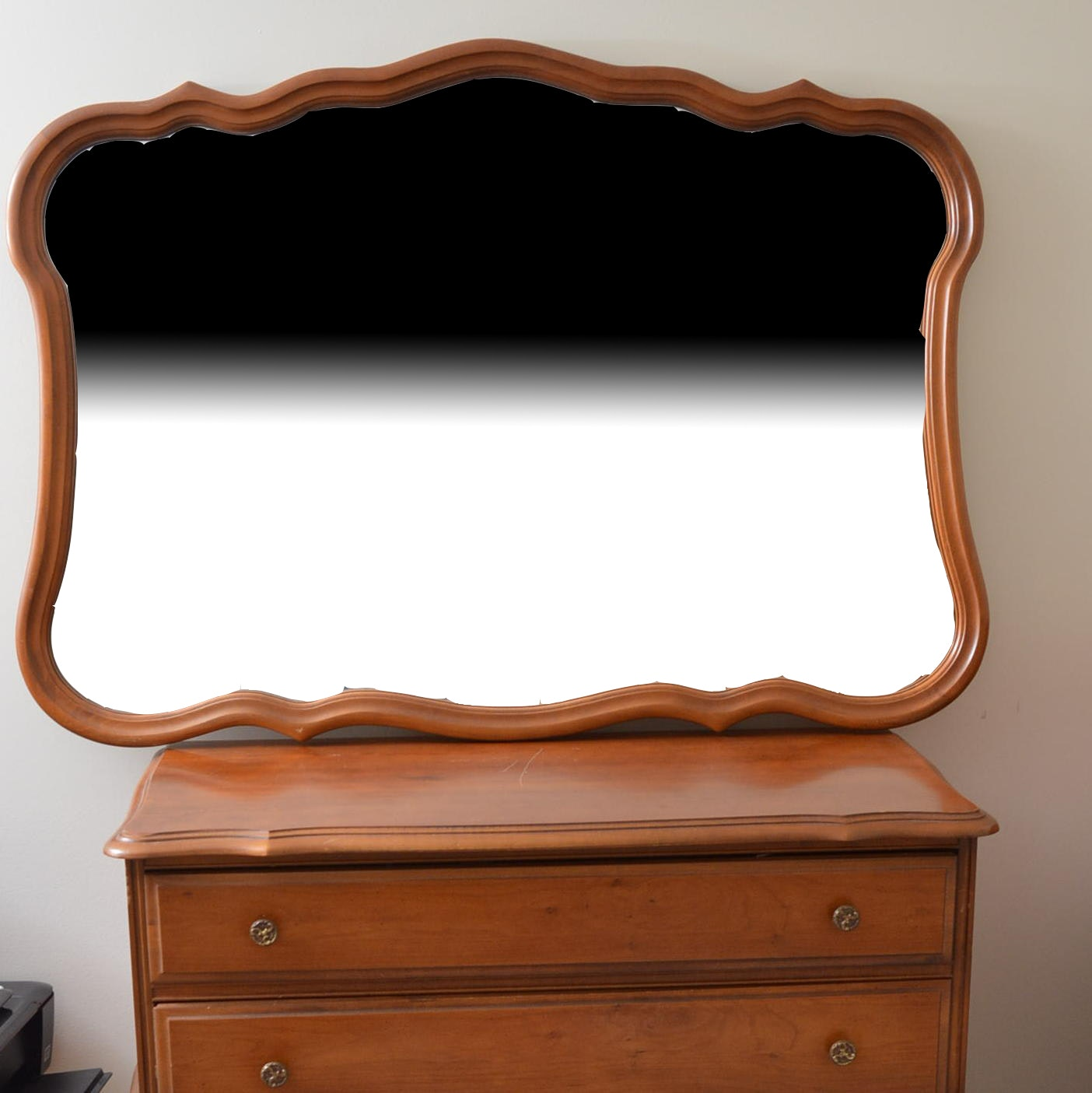 Vintage Victorian Style Chest of Drawers With Mirror