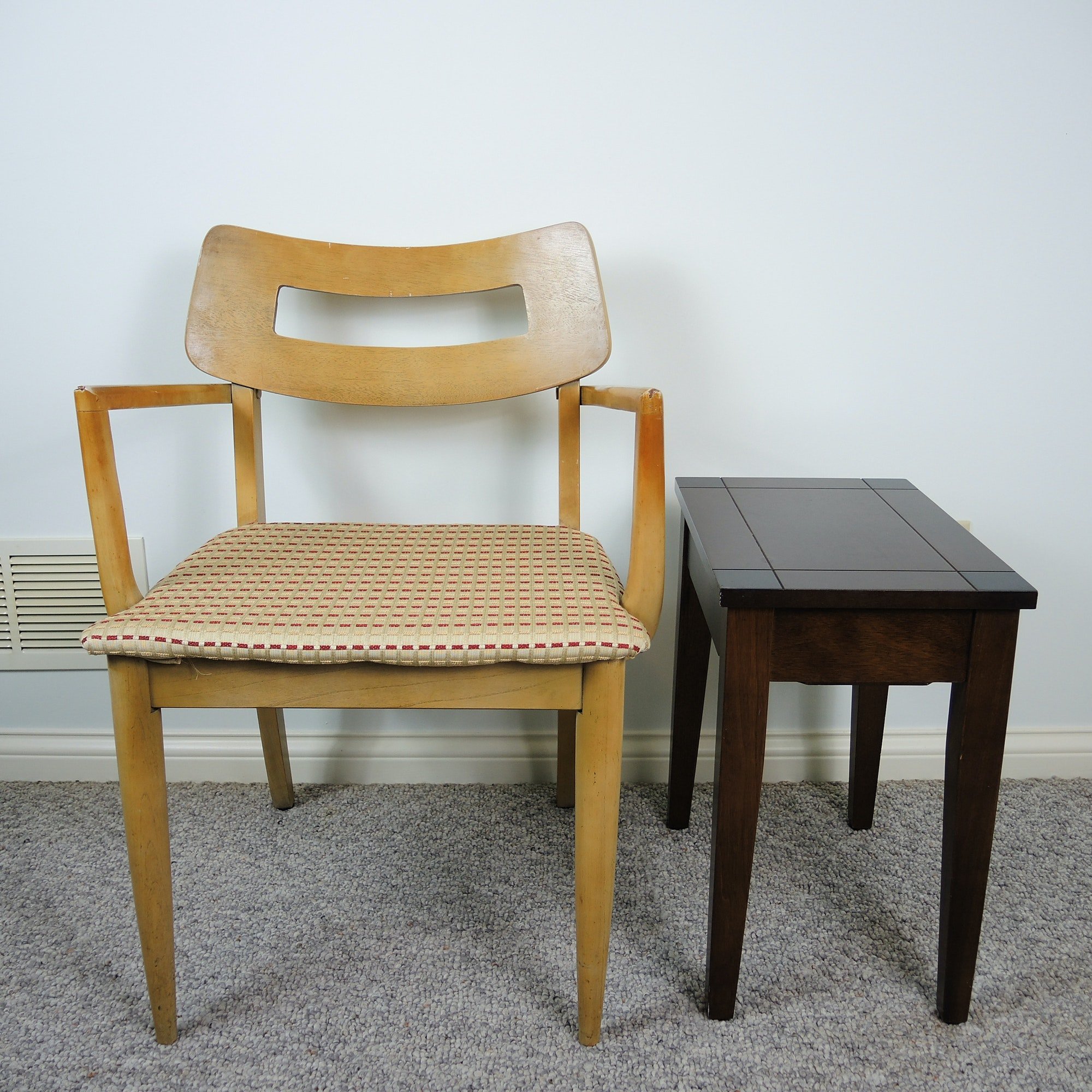 Mid Century Modern Chair With Hinged-Top Side Table