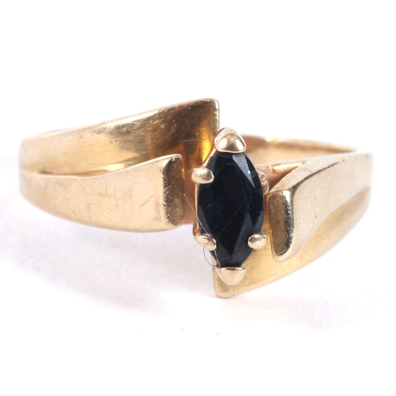 14K Yellow Gold and Sapphire Stone Ring