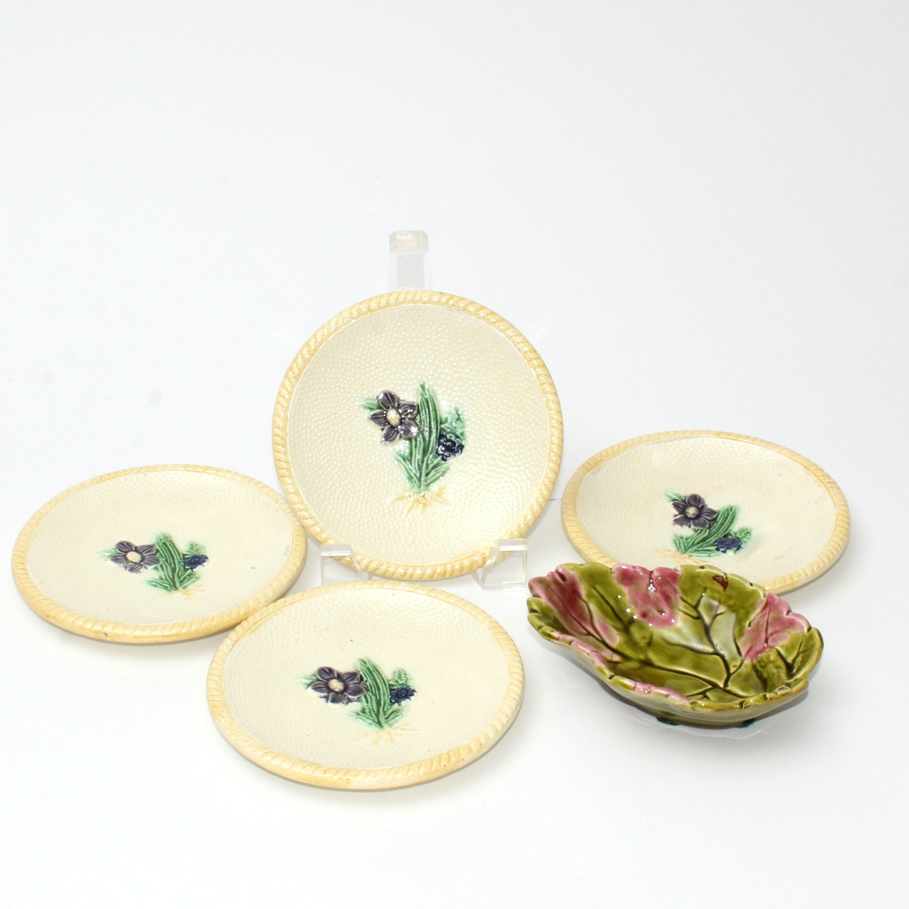 Vintage Majolica Cabbage Bowl and Four Plates