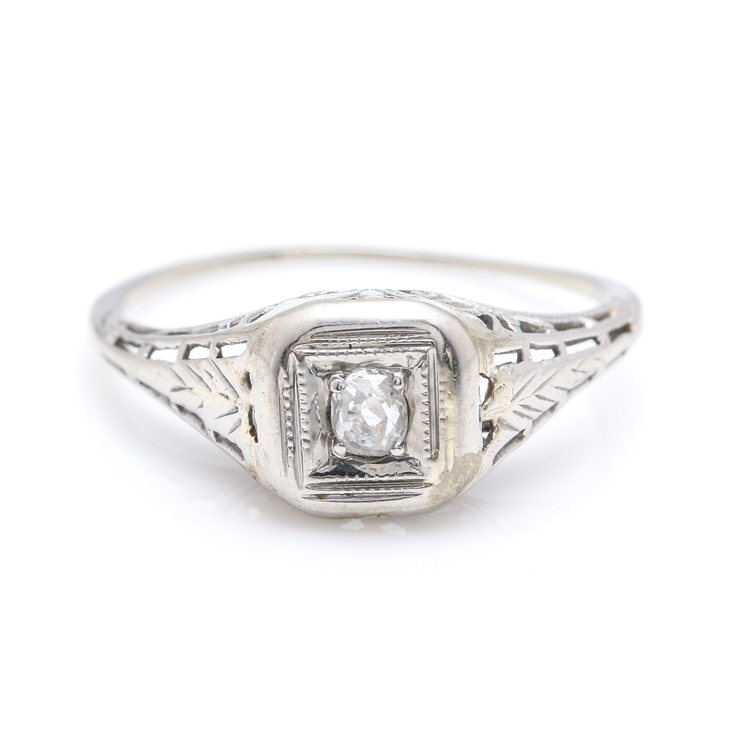 Late Edwardian 18K White Gold Diamond Ring