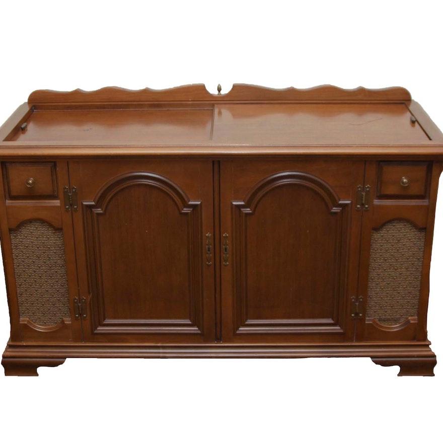 Magnavox Vintage Stereo Cabinet ... - Magnavox Vintage Stereo Cabinet : EBTH