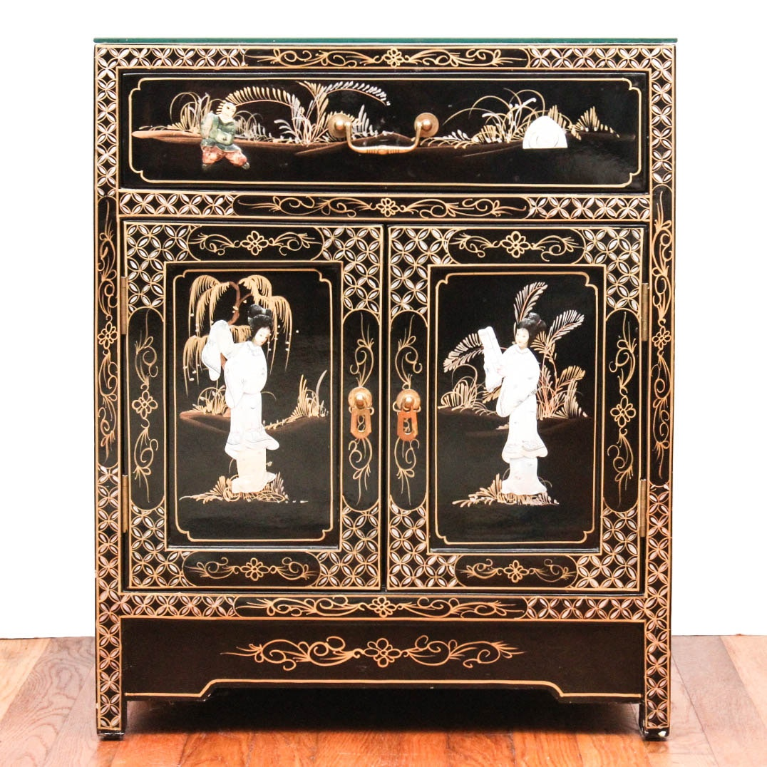 Vintage Chinoiserie Laquer Chest