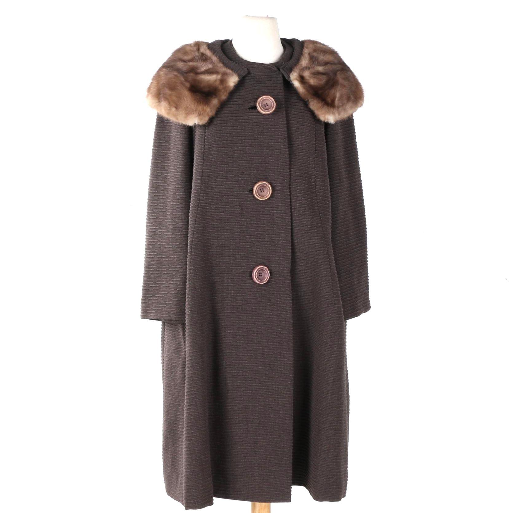 Women's Vintage Coat with Mink Collar