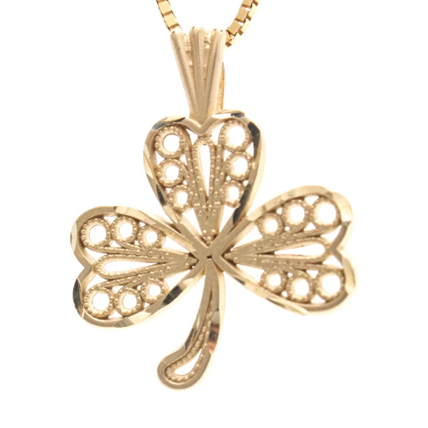 14K Yellow Gold Box Chain With Clover Pendant