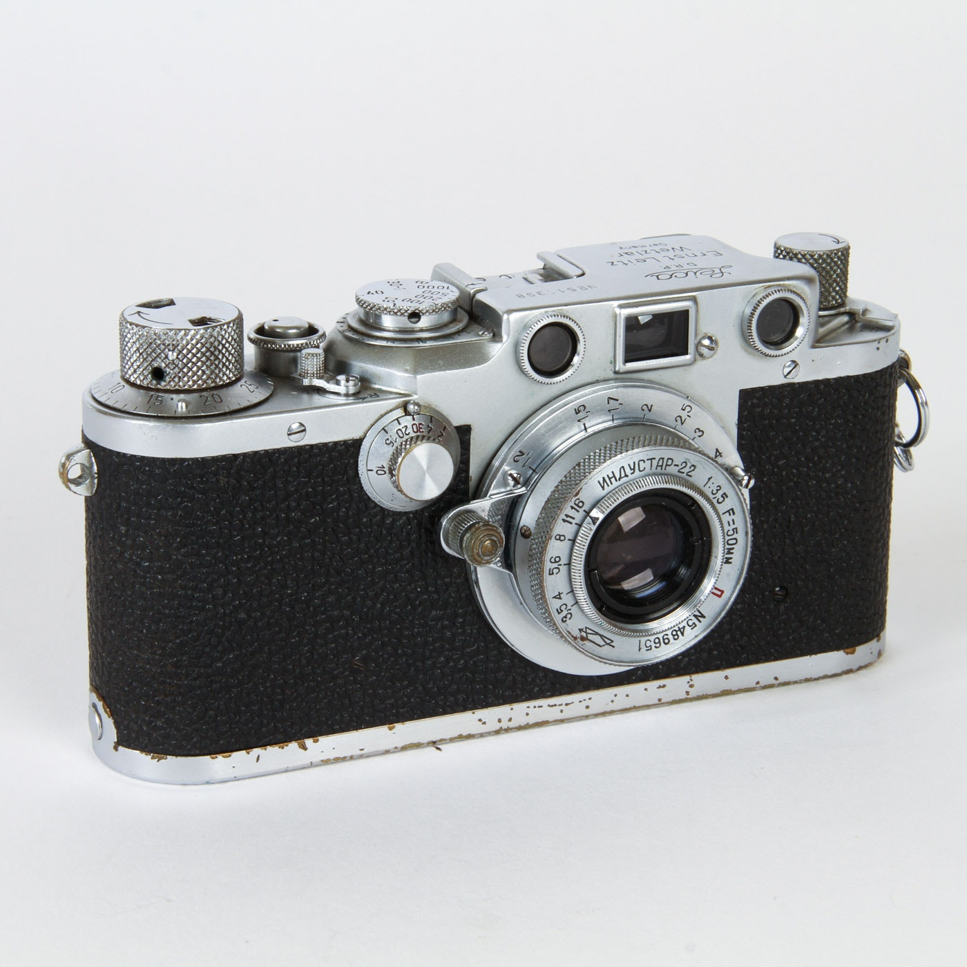 Vintage Leica D.R.P. Ernst Leitz Wezlar Camera and a Pair of Manuals
