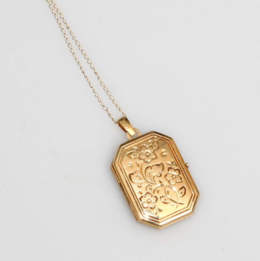 14K Yellow Gold Chain and Pendant
