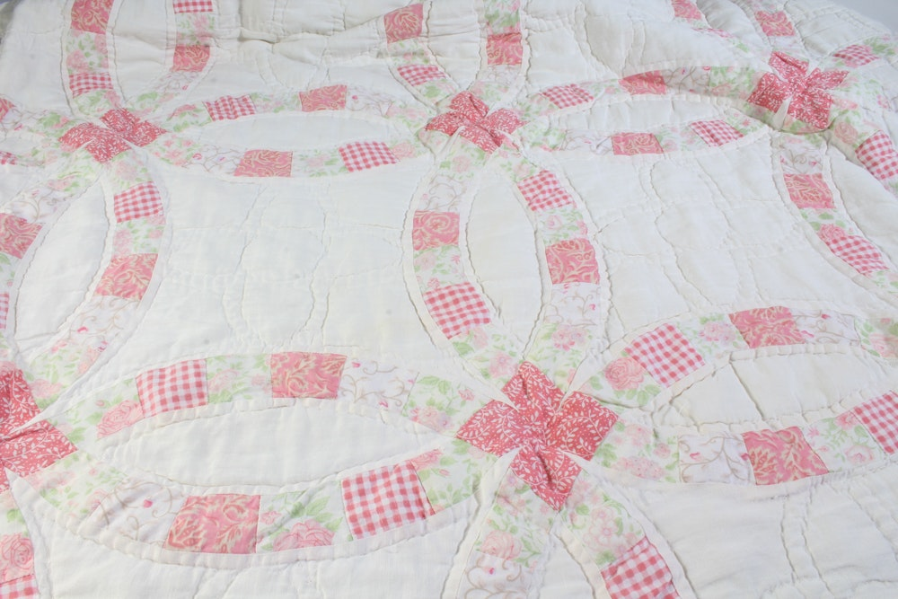 Vintage Hand-Crafted Double Wedding Ring Quilt