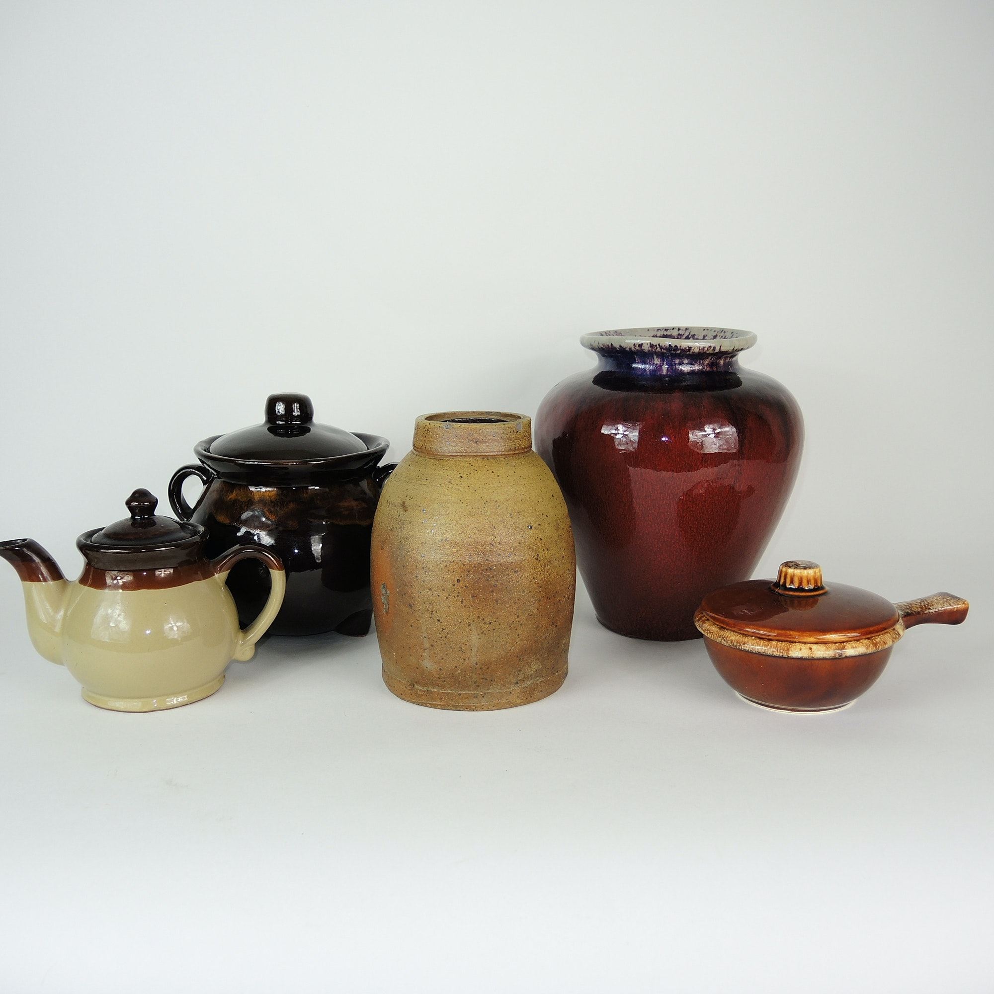 Selection of Vintage Pottery Including Hull