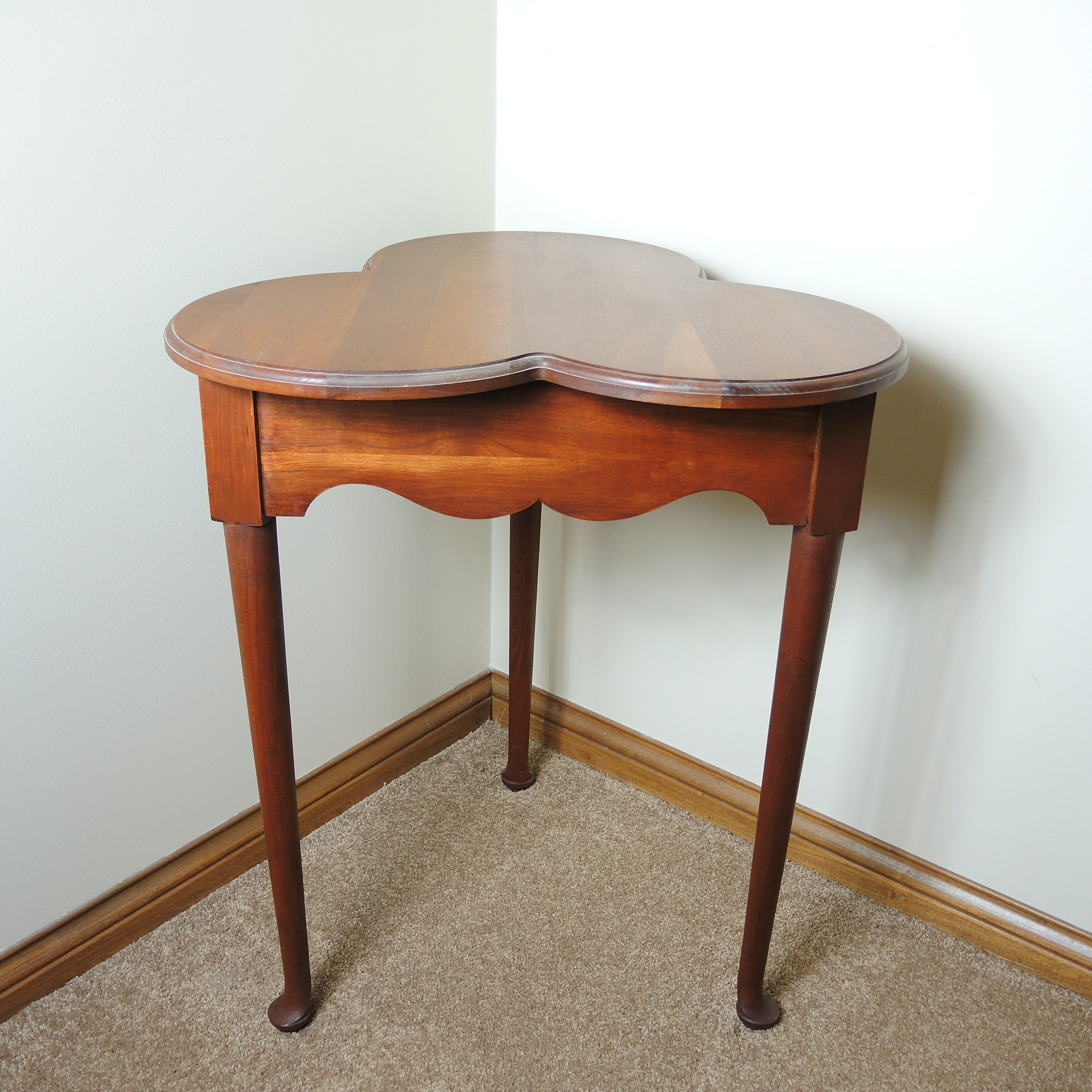 Clover Accent Table in Solid Cherry