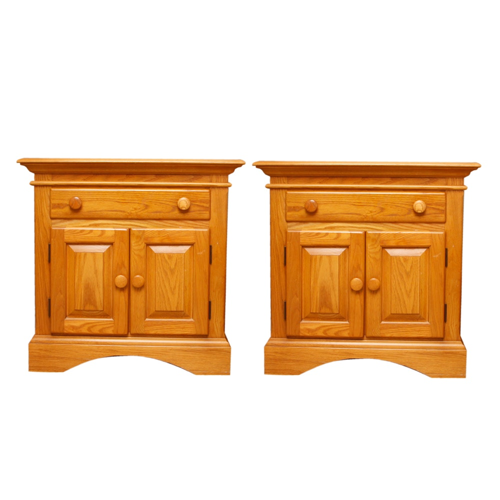 sumter cabinet company bedroom furniture sumter cabinet co oak nightstands ebth 26928