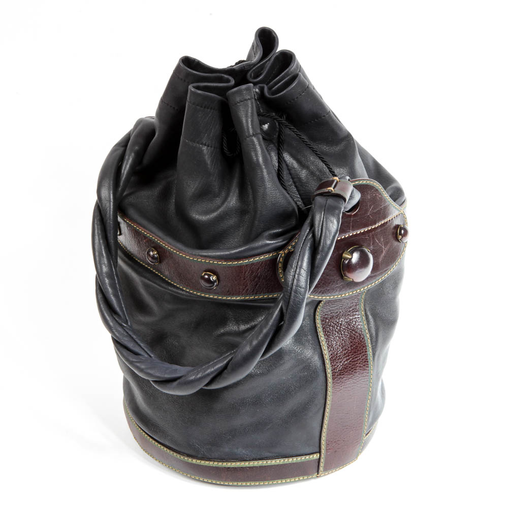 ae1871664f86 ... greece fendi leather palazzo drawstring bucket bag 33887 091d7 ...