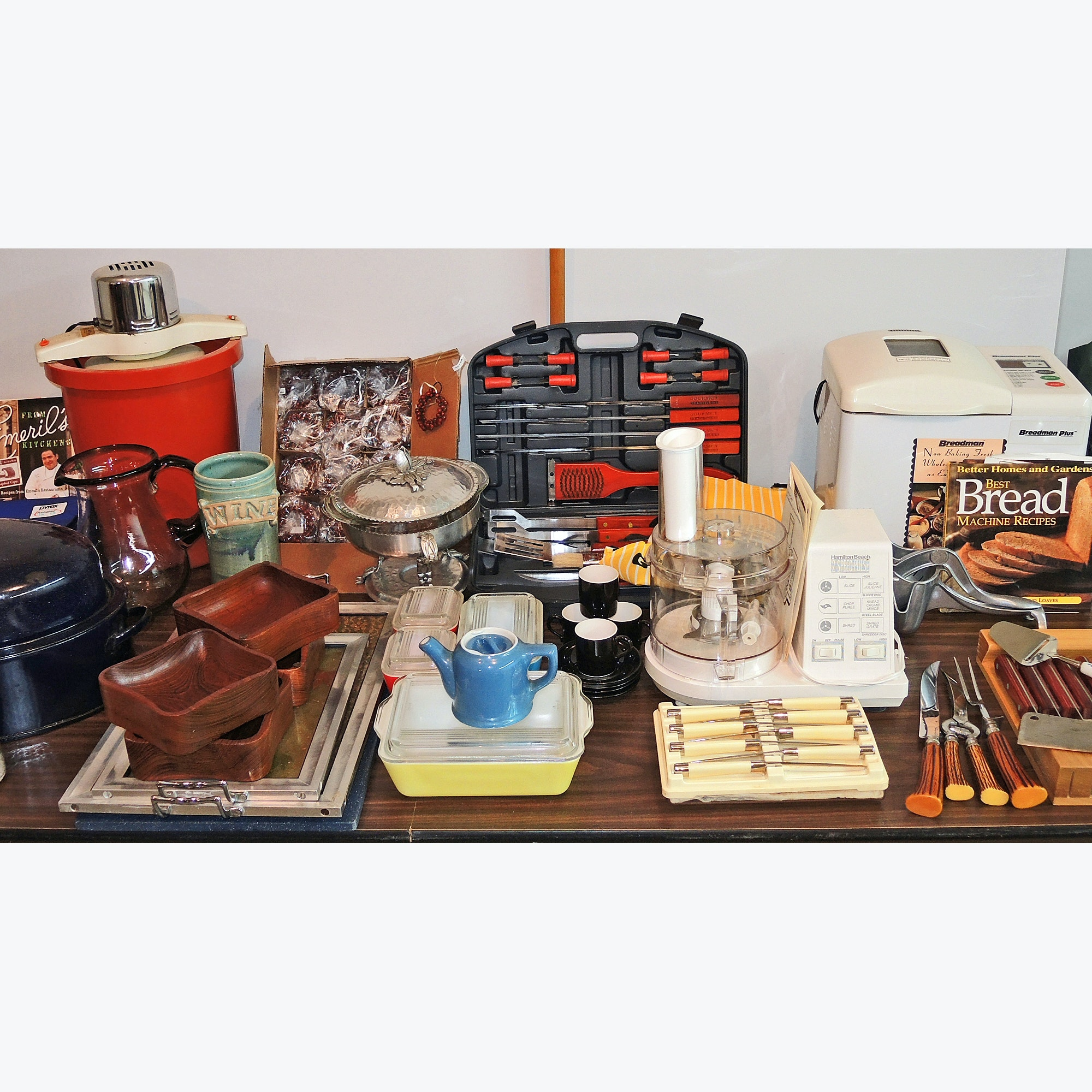 Kitchen Cookware, Grill Tools, Dishes, Knives and Appliances Collection