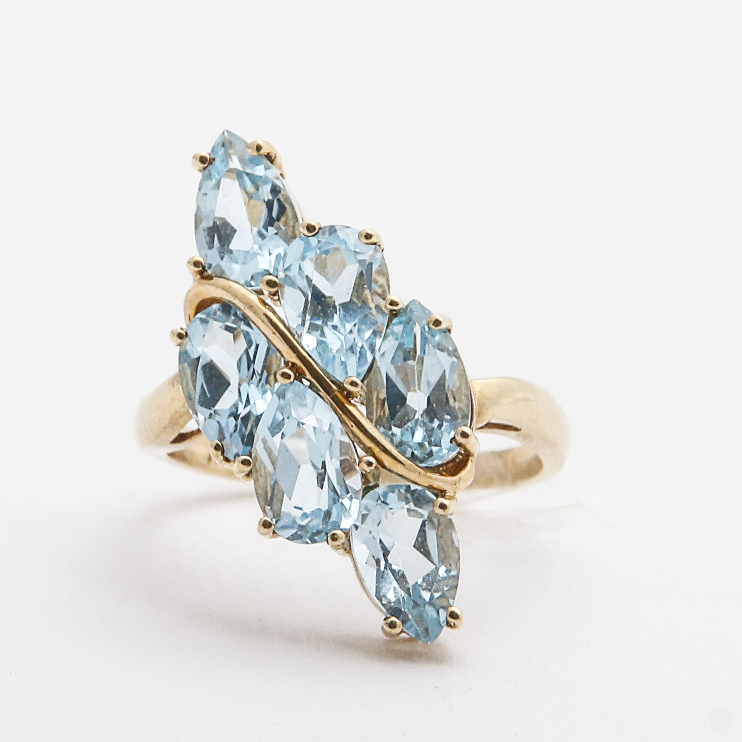 10K Yellow Gold and Blue Topaz Ring