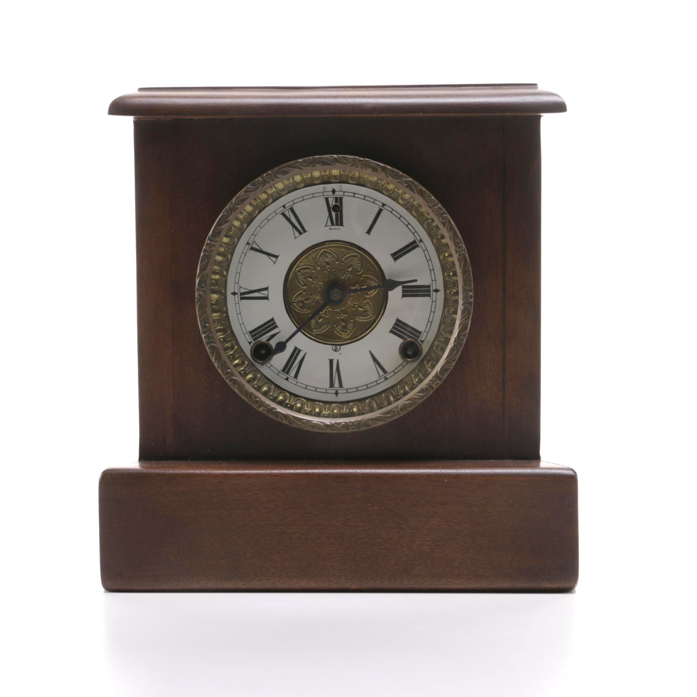 Mantel Clock in Wooden Case
