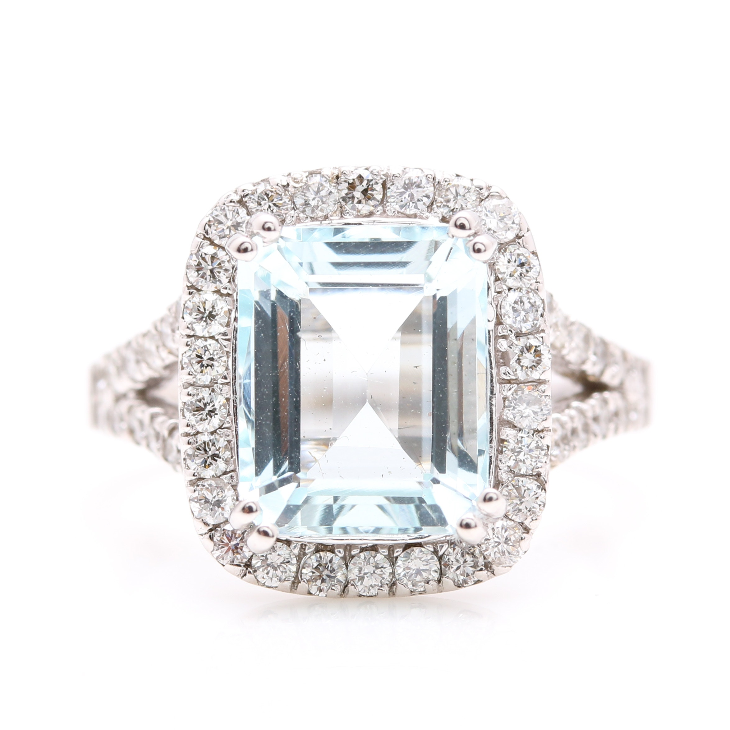 14K White Gold 3.01 CT Aquamarine and Diamond Ring
