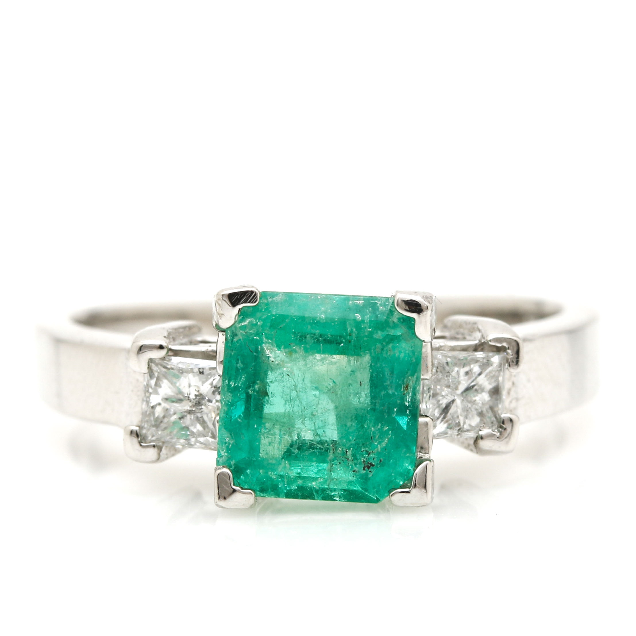 14K White Gold 1.33 CT Emerald and Diamond Ring