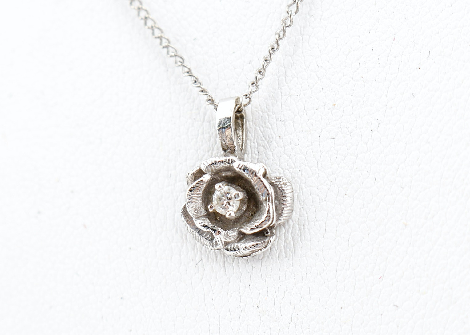 14K White Gold Diamond Rose Pendant Necklace