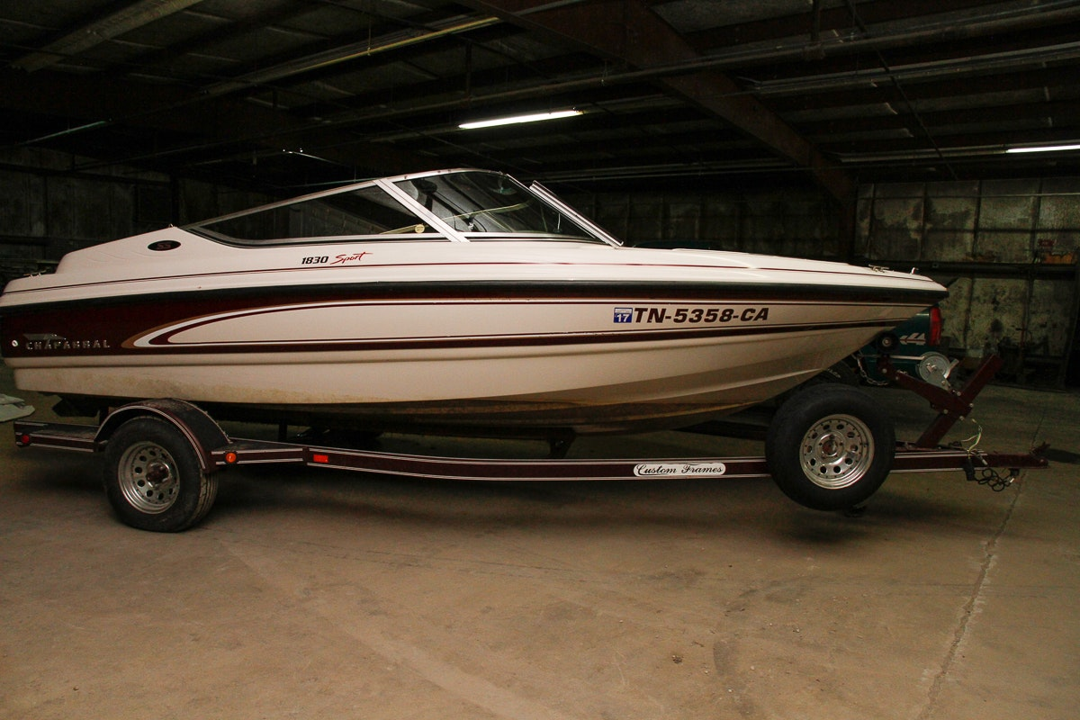 Chaparral 1830 Sport Speedboat With Trailer and Accessories
