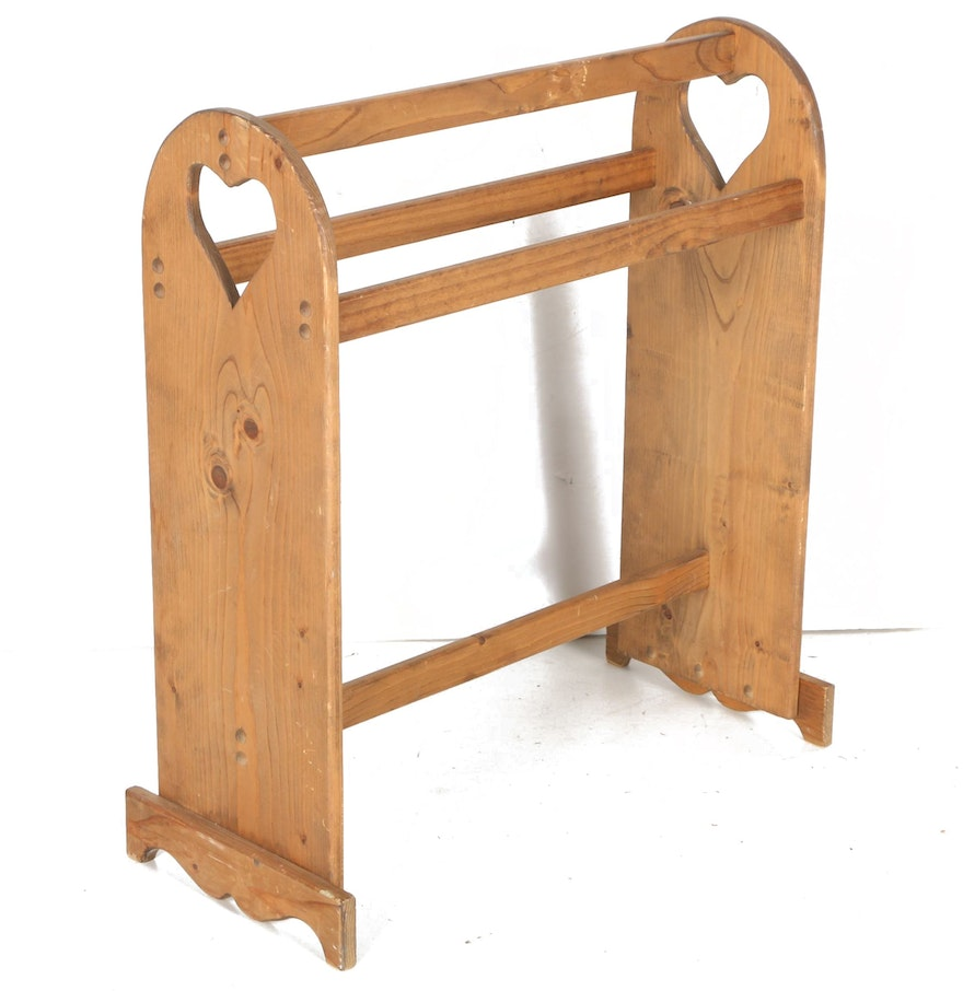 Primitive Style Pine Quilt Rack With Heart-Shaped Cutouts : EBTH : pine quilt rack - Adamdwight.com