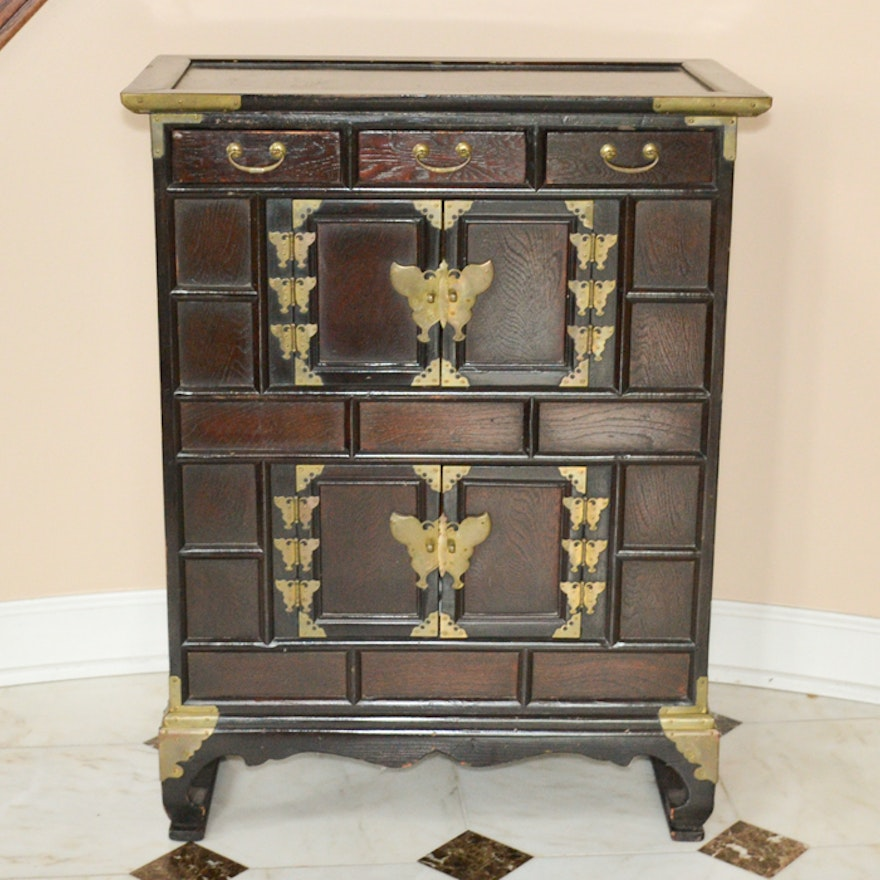 Vintage Asian Inspired Side Cabinet ... - Vintage Asian Inspired Side Cabinet : EBTH