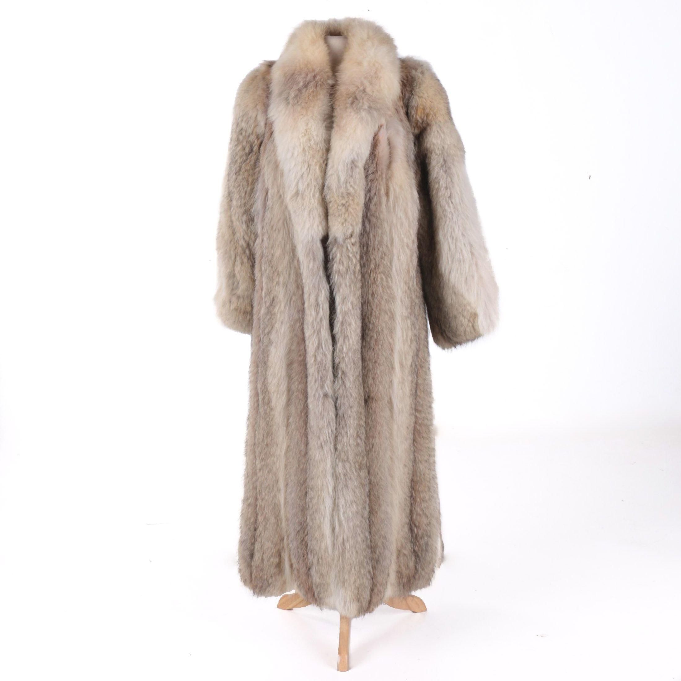 Auman & Werkmeister Coyote Fur Full Length Women's Coat