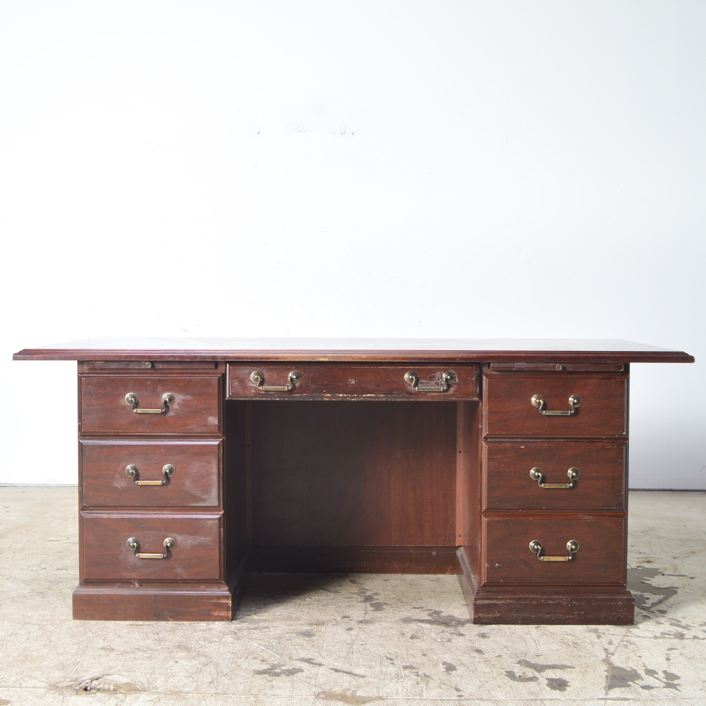 Miller Furniture Georgian Style Knee Hole Executive Desk