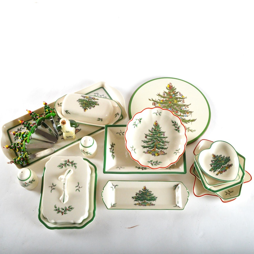 """Spode Christmas Tree Sale: A Collection Of Spode """"Christmas Tree"""" Serving Pieces"""