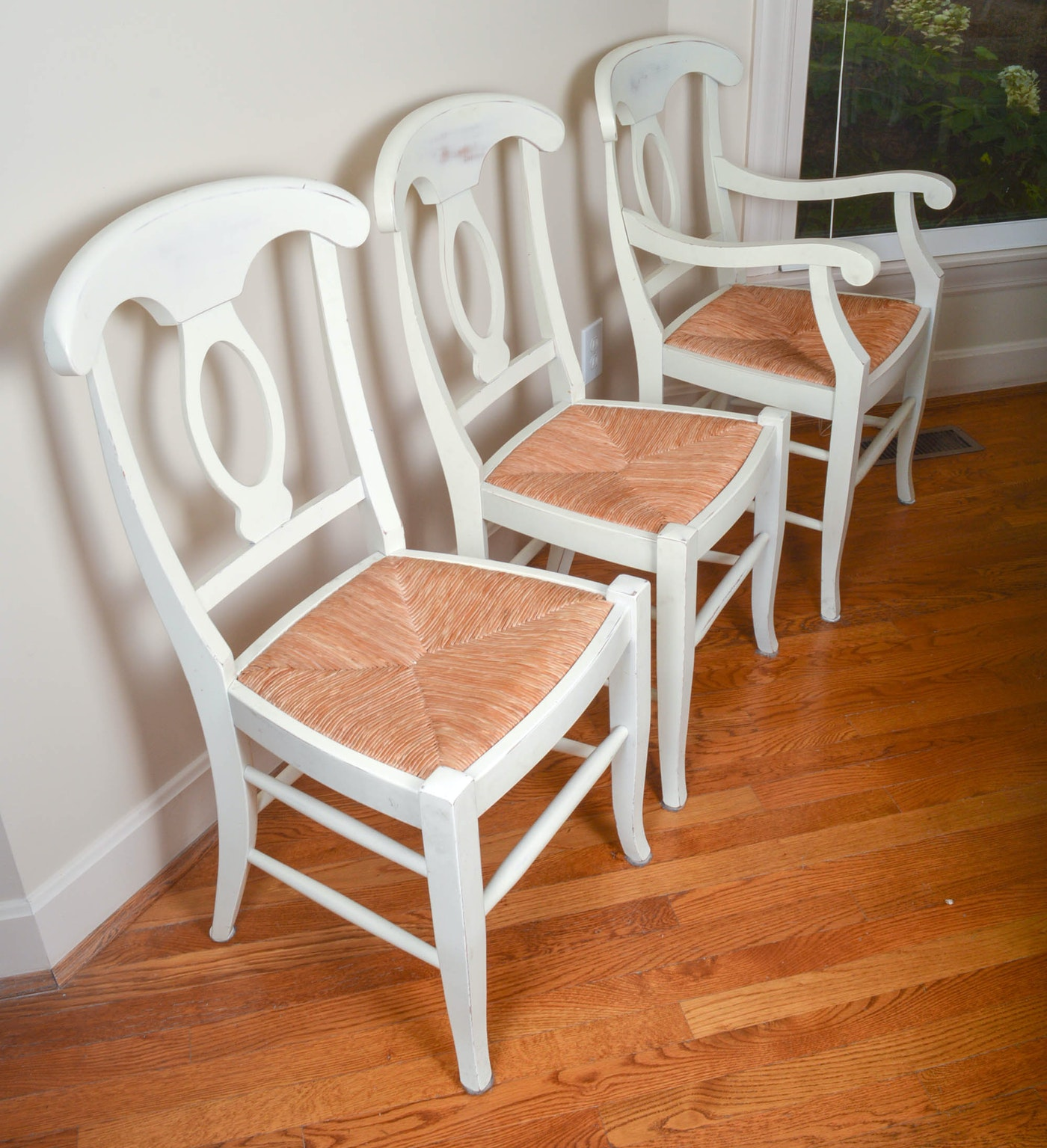Pottery Barn Round Farmhouse Style Dining Table With Six ...