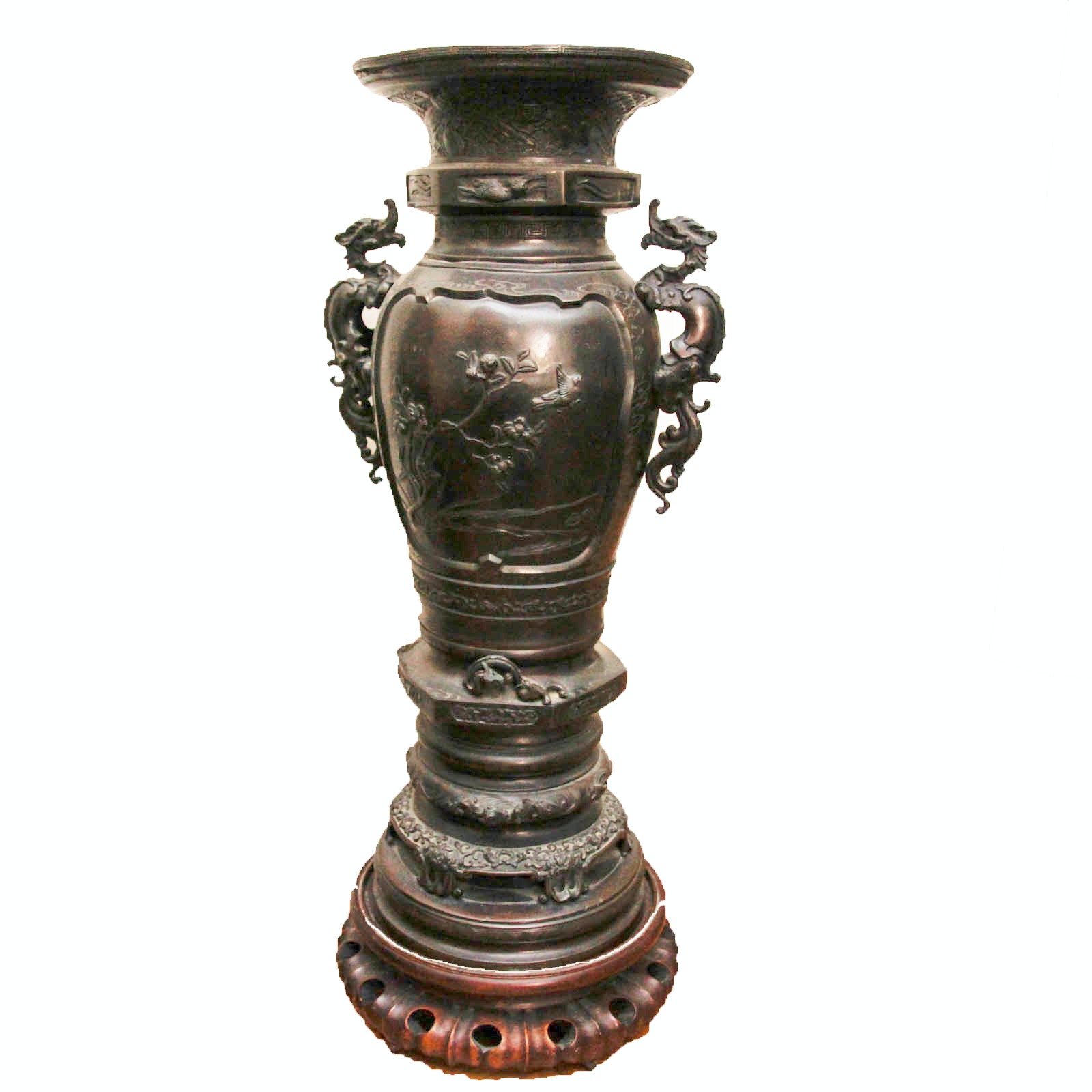 Late Meiji Bronze Japanese Urn