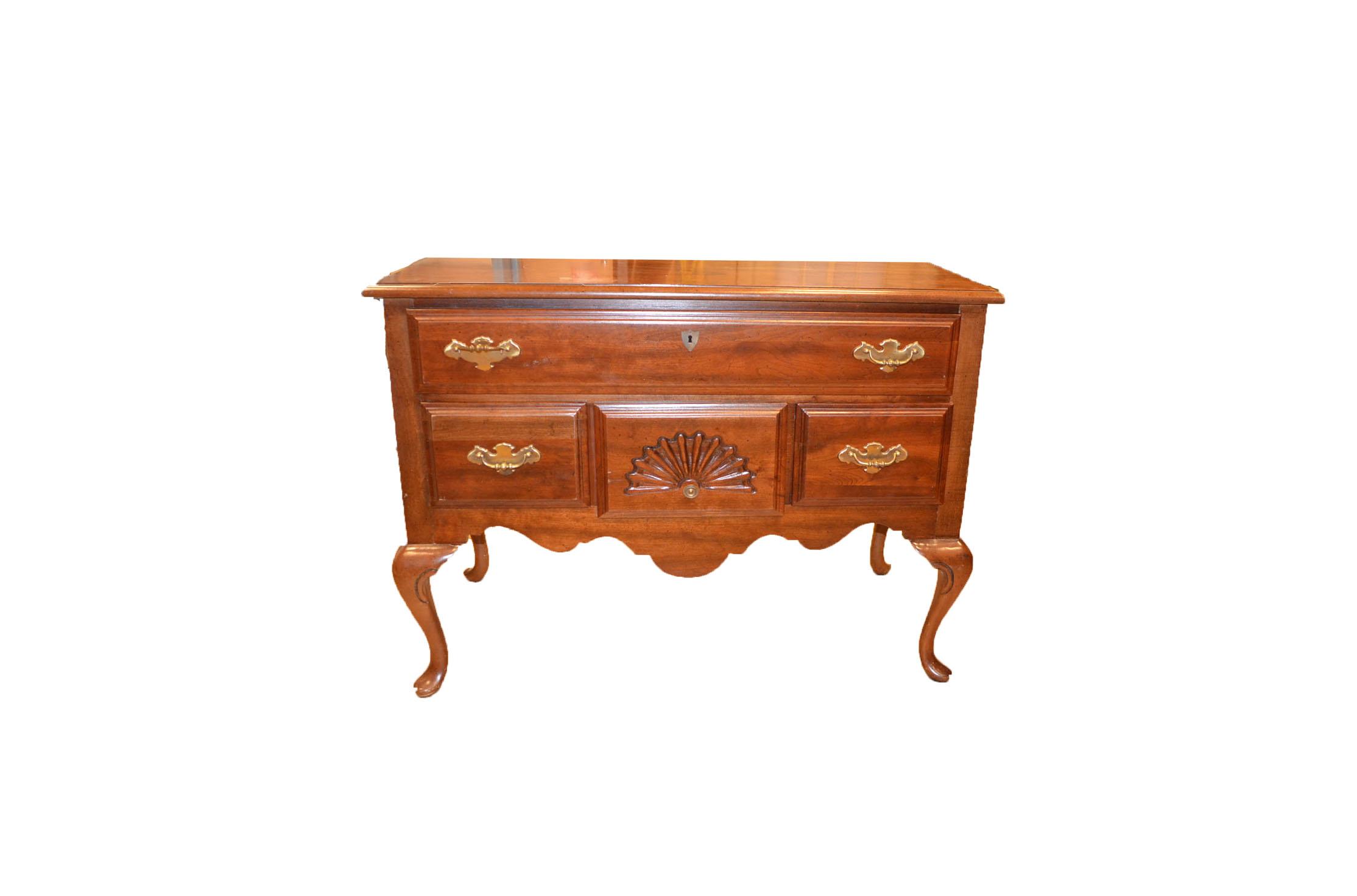 vintage american drew furniture Vintage Queen Anne Style Lowboy by American Drew : EBTH vintage american drew furniture
