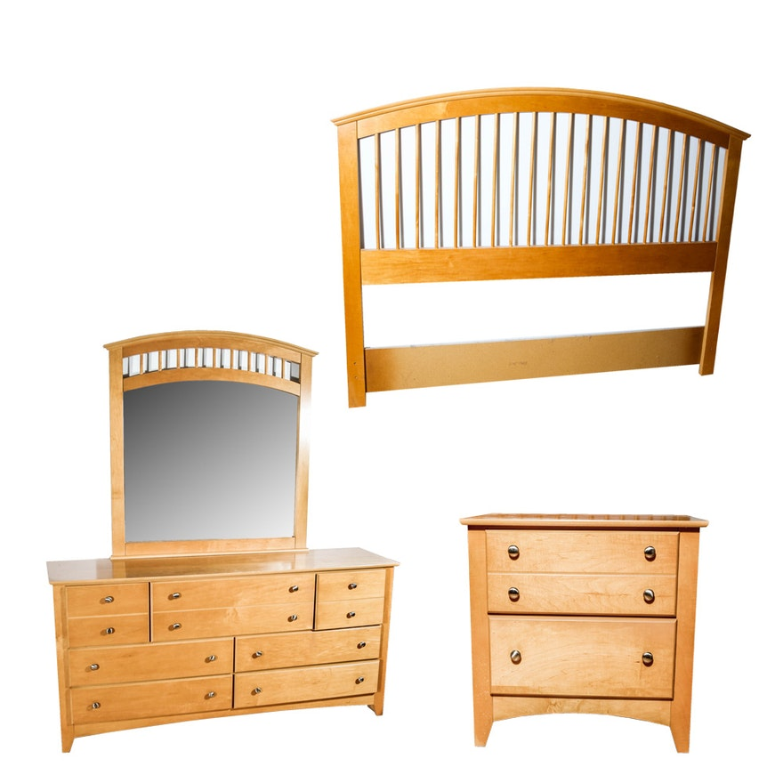Maple Bedroom Set By Progressive Furniture EBTH - Progressive furniture bedroom sets