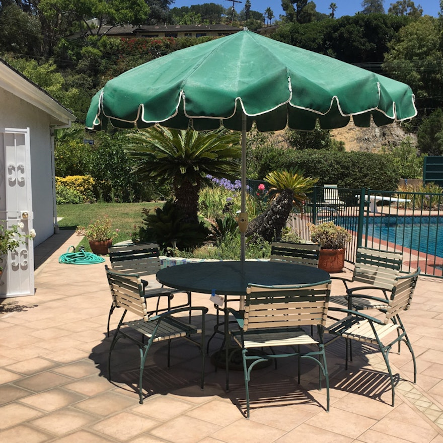 Vintage Finkel Patio Table And Chair Set With Umbrella