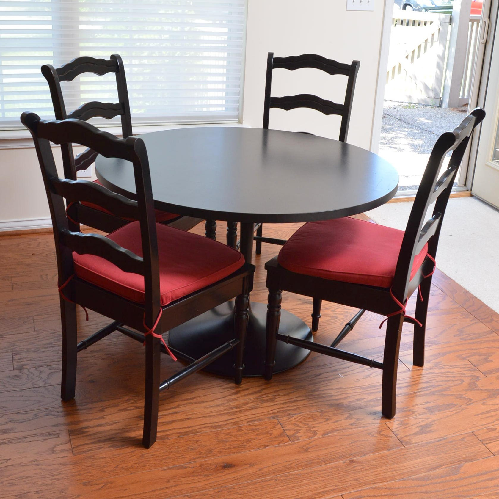 Tulip Style Dining Table With Ladderback Side Chairs