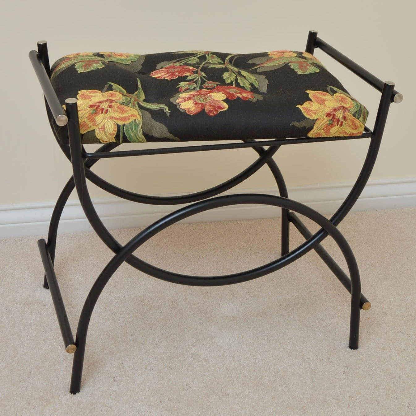 Black Metal Vanity Bench with Upholstered Seat