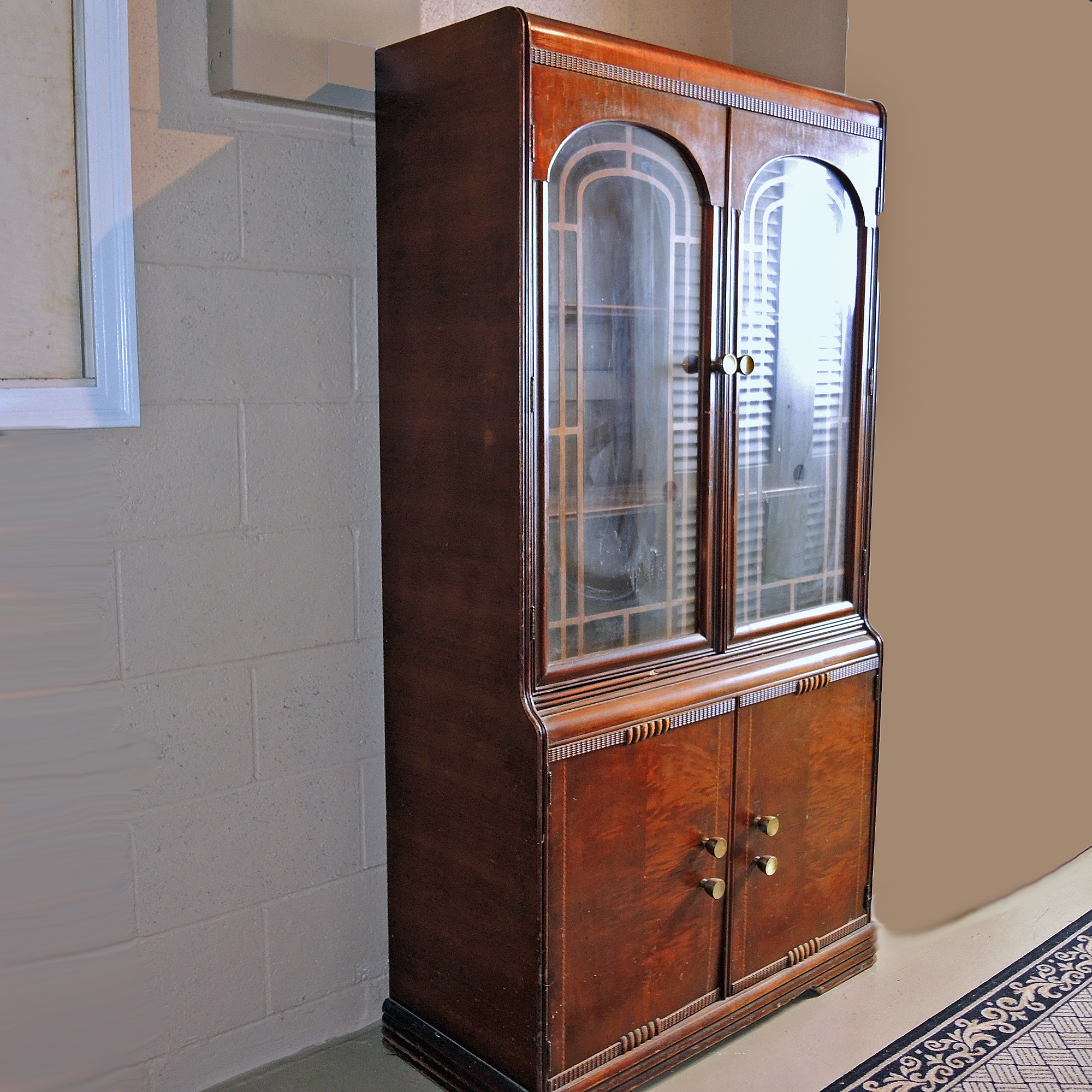 Art Deco Waterfall China Cabinet in Mahogany : EBTH