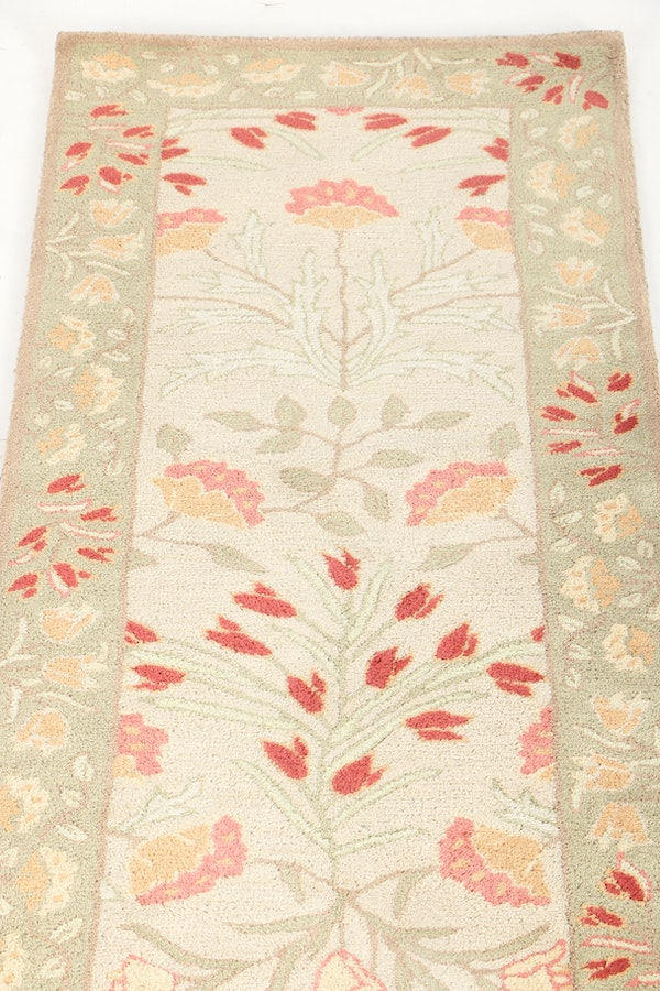 Tufted pottery barn adeline carpet runner ebth for Pottery barn carpet runners