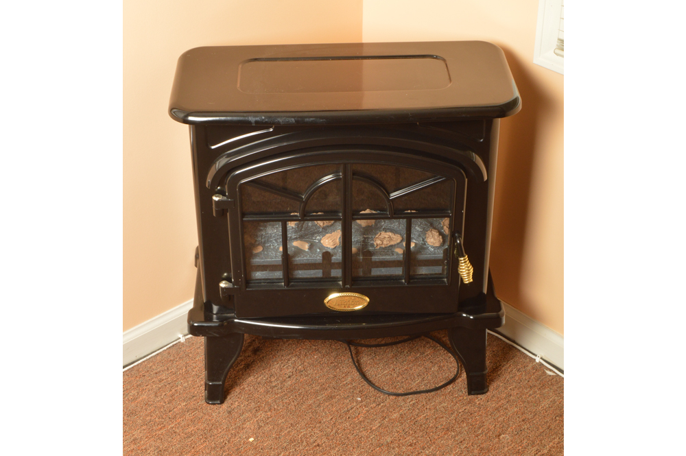 A Vintage Style Albion Black Electric Fireplace : EBTH