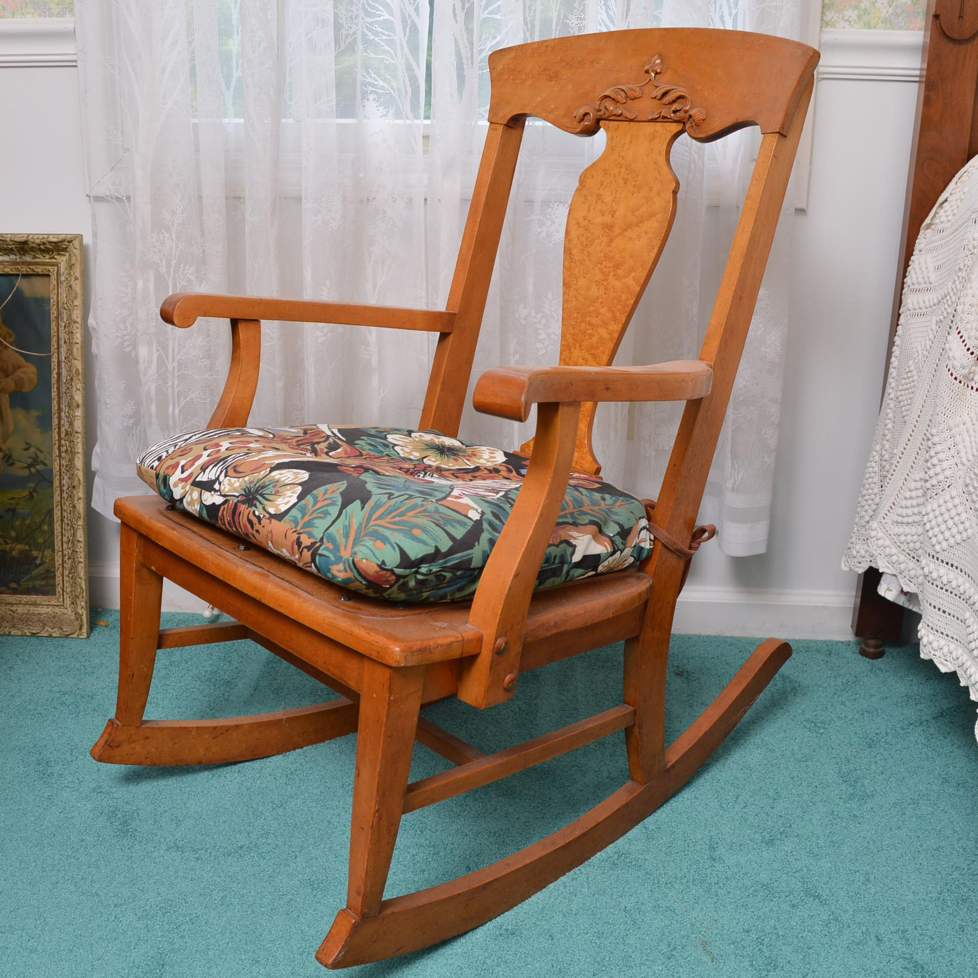 Vintage Maple Rocking Chair ...