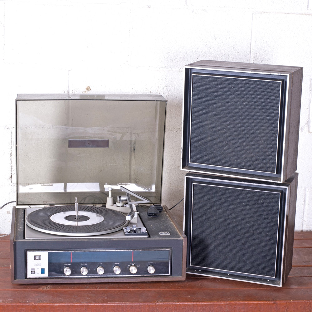 1970s-Era RCA Modular Series Record Player With Speakers