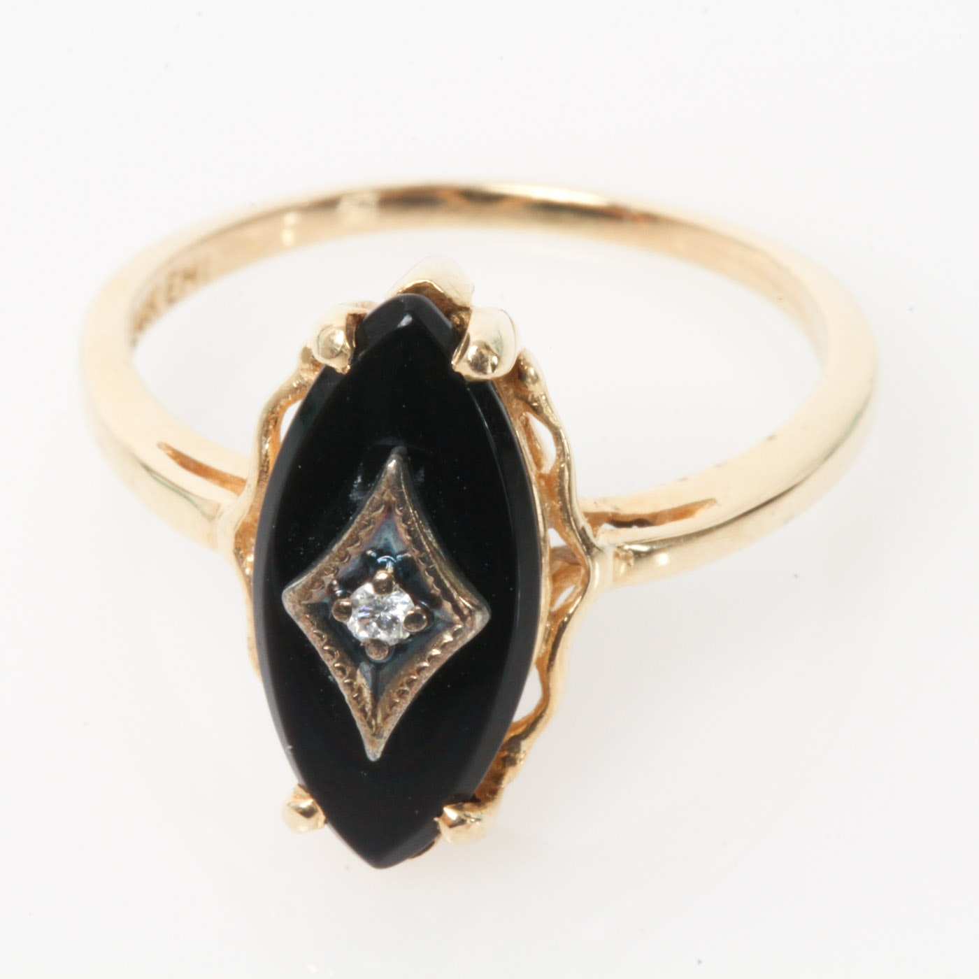 Vintage 14K Yellow Gold, Diamond, and Onyx Ring