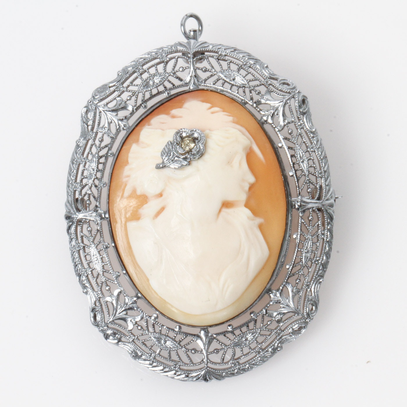 Vintage Art Deco Ostby & Barton Sterling Silver and Carved Shell en Habillé Cameo Pendant Brooch