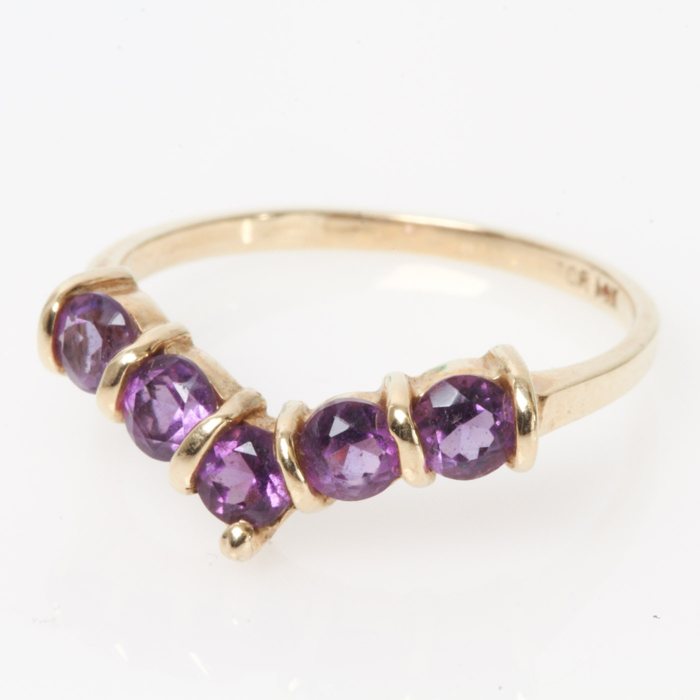 14K Yellow Gold and Amethyst V-Ring