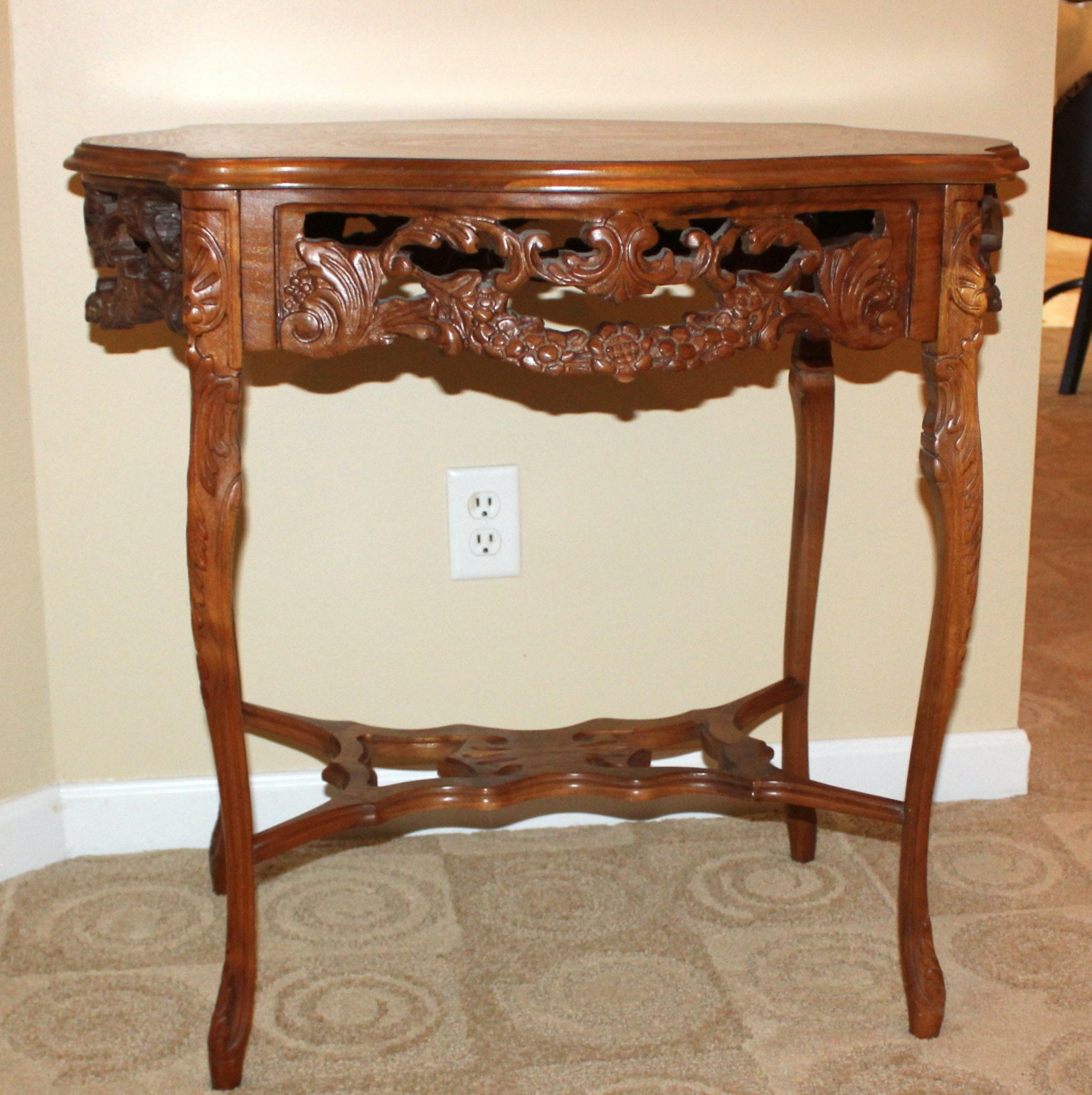 Victorian End Table EBTH.com